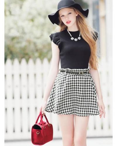 グレイルのコーディネートはスウィートなガーリーファッションを中心とした若者向けのコーディネートです。