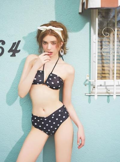 01eecf678cc グレイル. 若者向けのファッション通販サイトらしく、可愛いトレンドの水着がいっぱい用意されています。