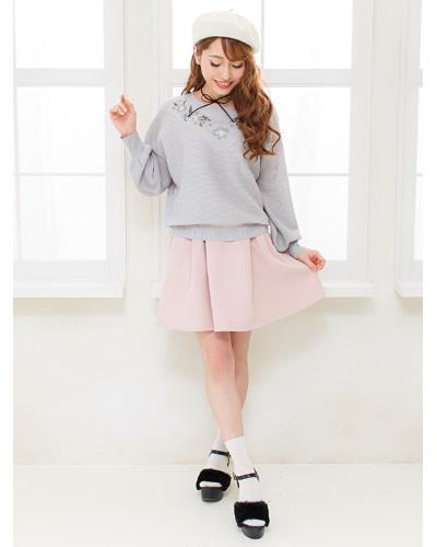 ガーリー系、特に姫系のファッションとなると、ネット通販ではショップが限られています。