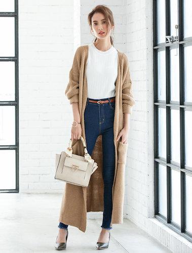 きれいめ大人女子必見の激安レディースファッション通販サイト。ほとんどのアイテムがかなりお安い価格で購入可能です。清潔感のあるファッションが特徴で、透明感の